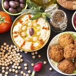 Hummus,And,Falafel,With,Spices,And,Vegetables